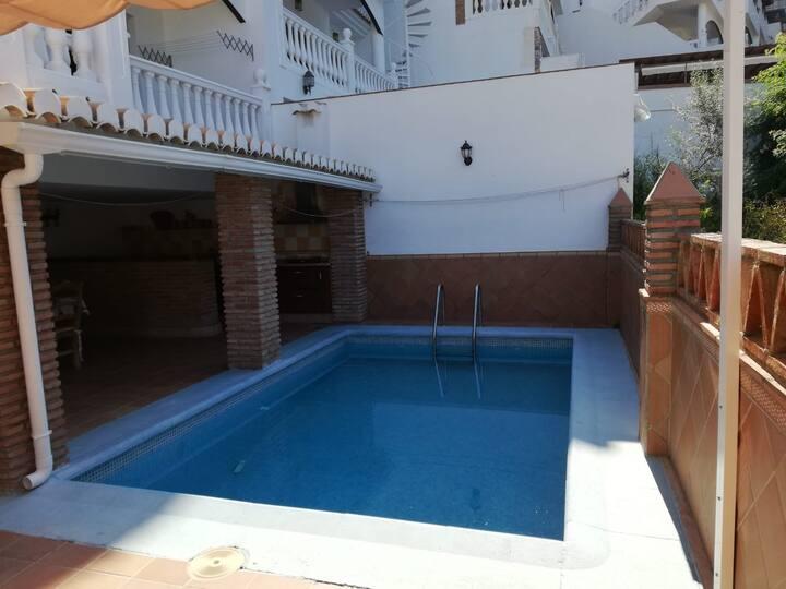 Oferta! Precioso Adosado con piscina en Almuñécar