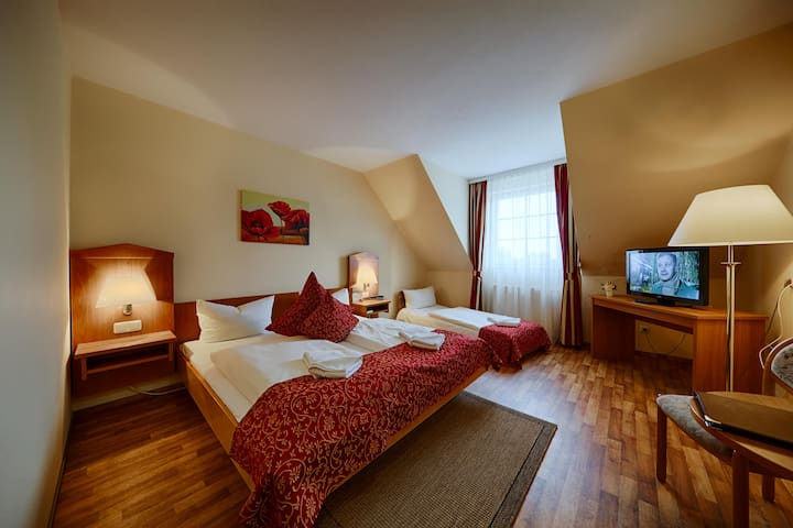 Hotel Auerhahn-Familienzimmer Preis für 4 Personen