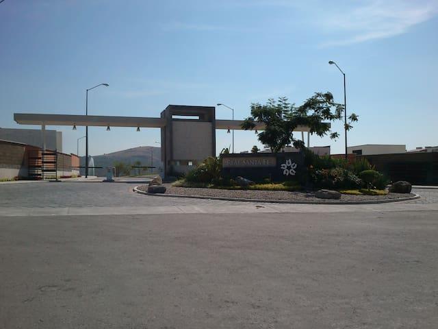 Casa con Alberca en Xochitepec Morelos.