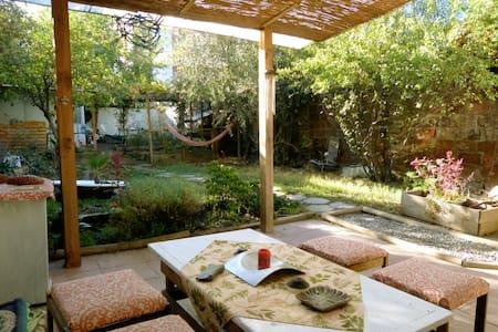 Habitación con baño privado en casona de Ñuñoa - Ñuñoa - Talo