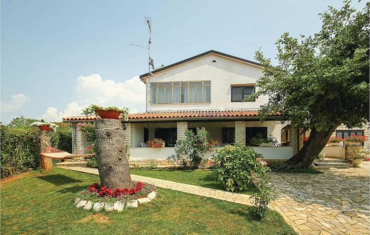Holiday apartment with 3 bedrooms on 72m² in Porec
