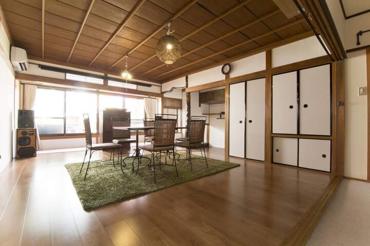 大阪パーティーハウス一宿泊型DJイベントスペース。一軒家貸切OK!MAX40人