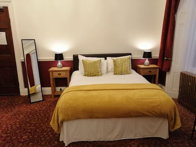 Georgian Studio in the Knowledge Quarter