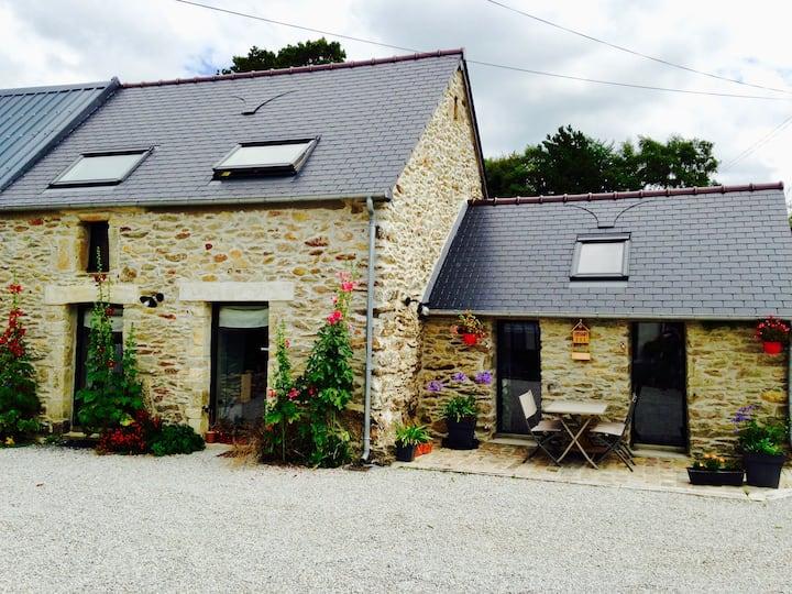"""Maison en pierre à la campagne : """"l'étable"""""""