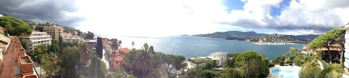 Amazing sea view apartment in 18th century villa