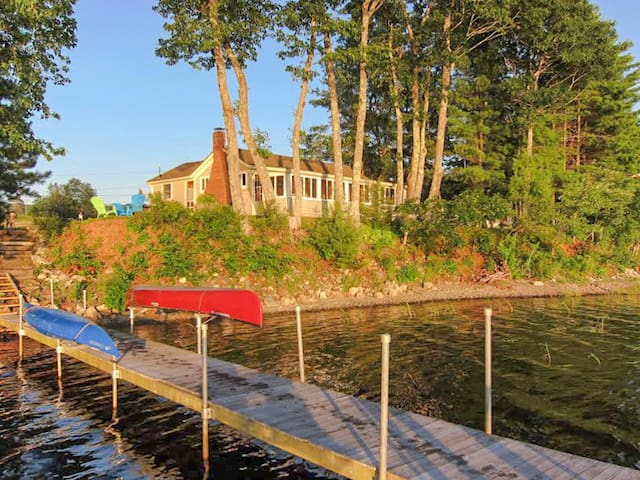 Exceptionally cute lakefront cabin with stunning views and dock!
