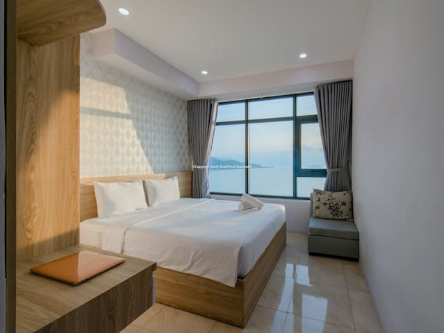 3 BEDROOM OCEANVIEW + BALCONY opposite the beach