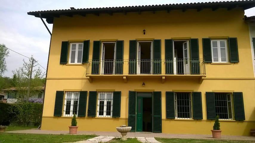 Casa Virginia / Virginias' Home in Turin