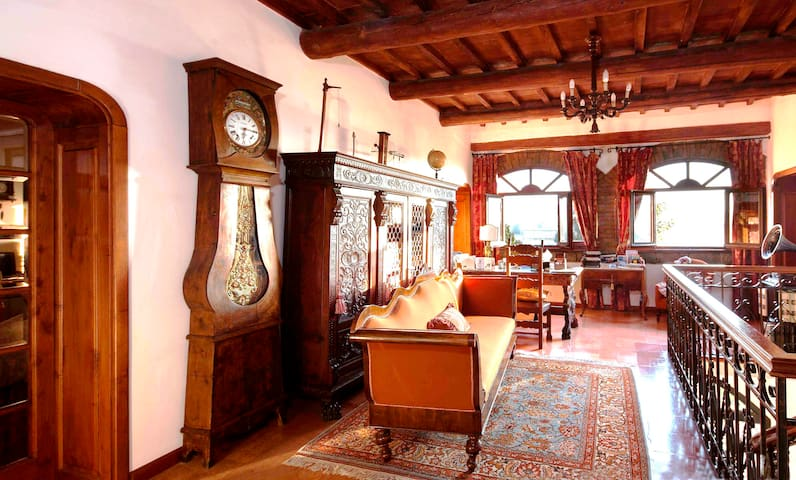 Cozy room&breakfast for two in 18th century villa - Magione - Daire
