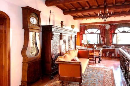 Cozy room&breakfast for two in 18th century villa - Magione