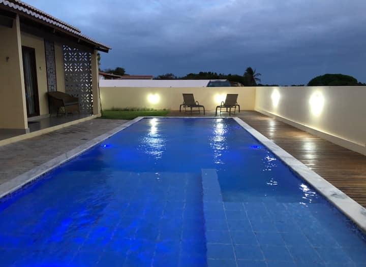 Chalé 02/completo-Cond.Fechado/piscina/churras/gar
