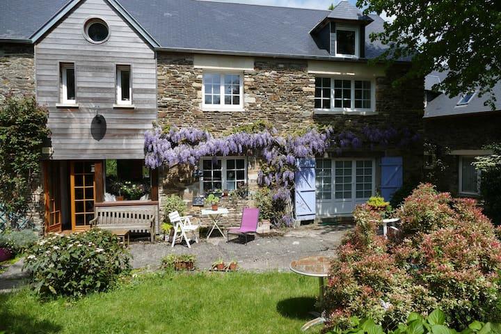 """Chambre grand confort et """"dépaysante"""" en Normandie"""