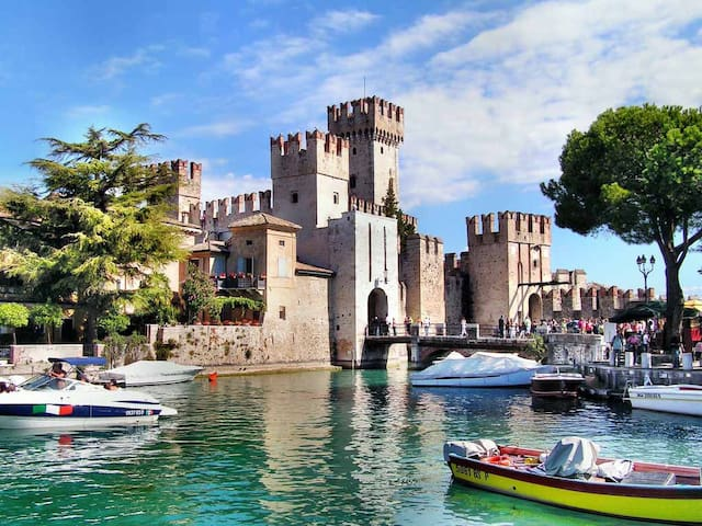 Enjoy a sunny easter at Garda Lake - Sirmione - Huis
