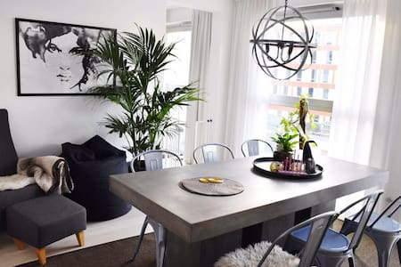 Room in moder apartment by the sea - Stockholm