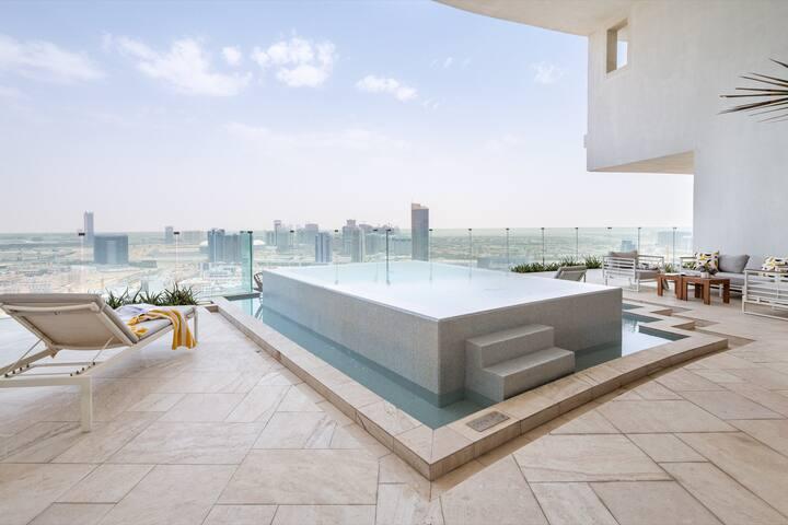 Dapper 2BR Apartment In The Five W/ Private Pool