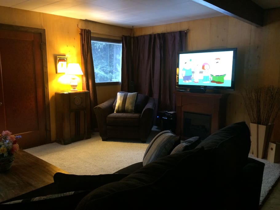 "50"" Plasma TV w/Sound Surround for Movie Night"