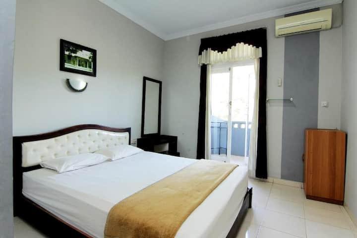 Clean & Cozy Superior at Hotel Bugis Asri