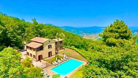 Villa Forconi, Luxurious, Spacious Holiday Home