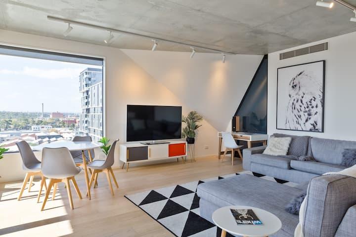 Stunning 8th floor Penthouse 3br, wifi, Netflix
