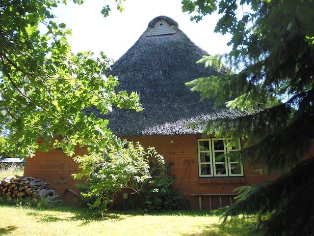 Schlafen unterm Reetdach - Schacht-Audorf - Dom