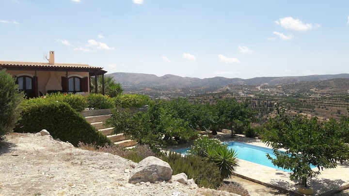Villa Asteria -  pool, garden, sea view & privacy