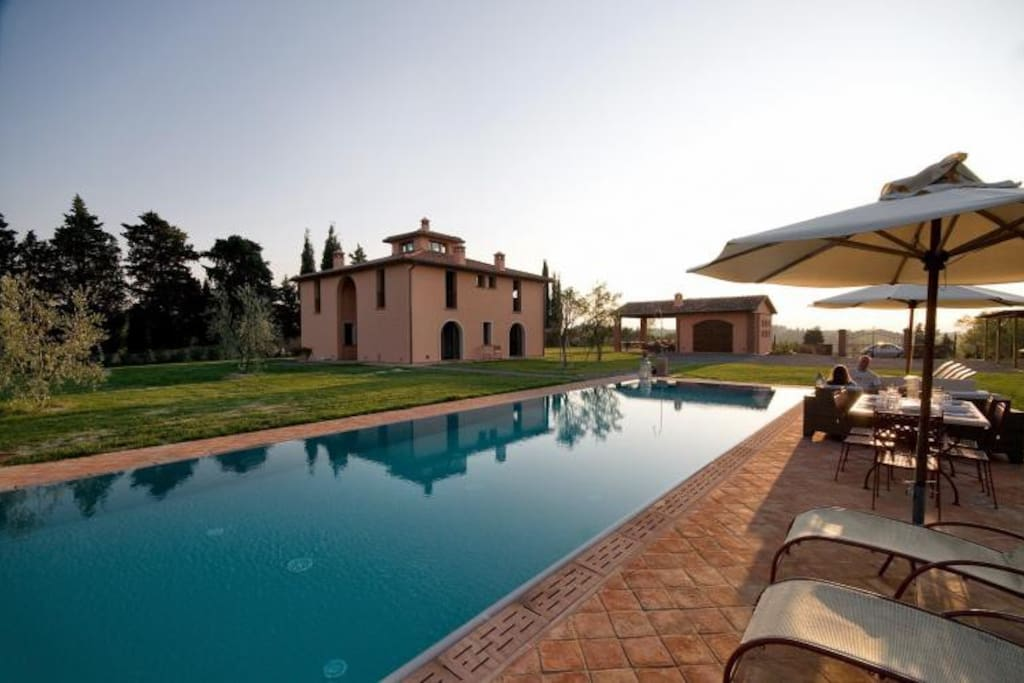 Villa Longobardi swimming pool with hydro massage