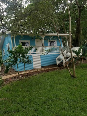 2 BD 2BR  Homey Caribbean Style Cottage!