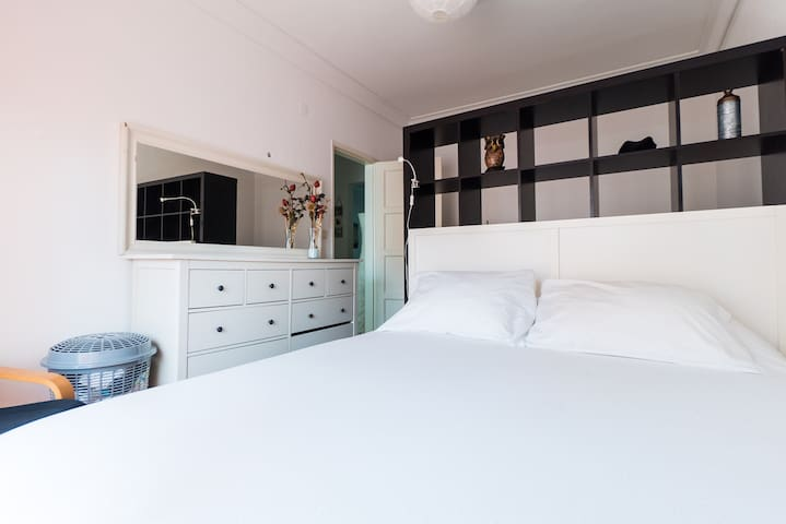 LISBON - BEDROOM + BREAKFAST - Lisboa - Bed & Breakfast