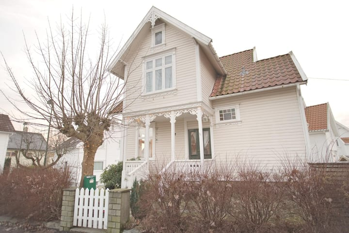 Cosy house 12 minute walk from Stavanger centre