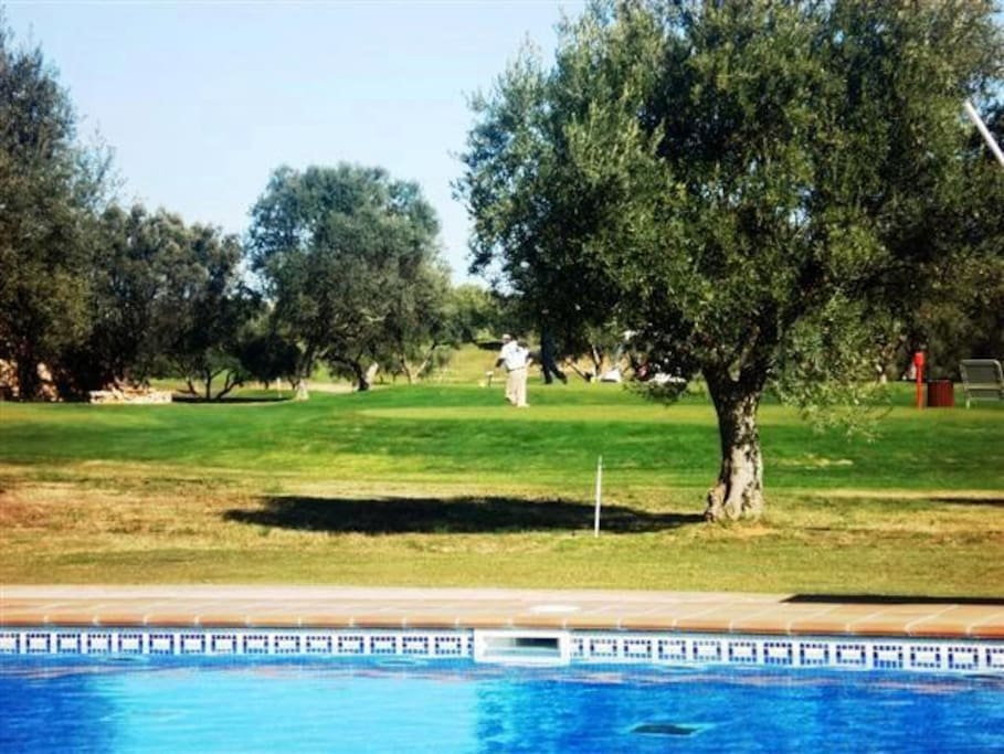 En 1 l nea de campo golf con piscina y cerca playa for Camping con piscina climatizada en comunidad valenciana