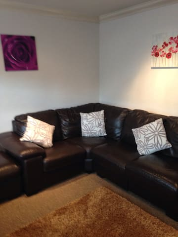 2 bedroom stylish house - great location 4M1/Uni's - Long Eaton - Huis