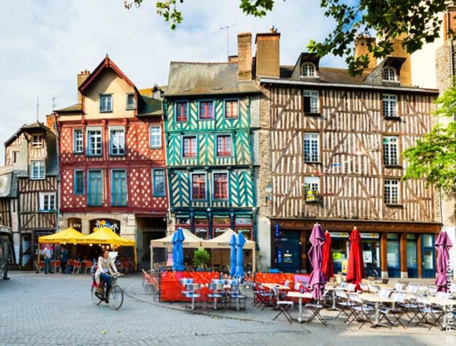 La ville de Rennes à 10 minutes en bus