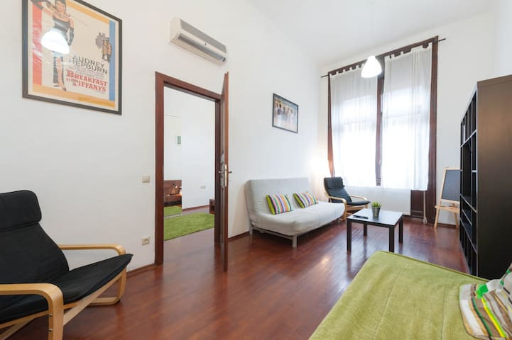 3 Rooms + 2 Bathrooms in Király with AirCon - บูดาเปสต์ - อพาร์ทเมนท์