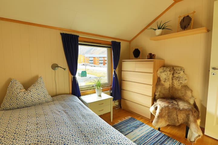 "Polar Bear Lodge (single bedroom ""Nordenskiöld"")"