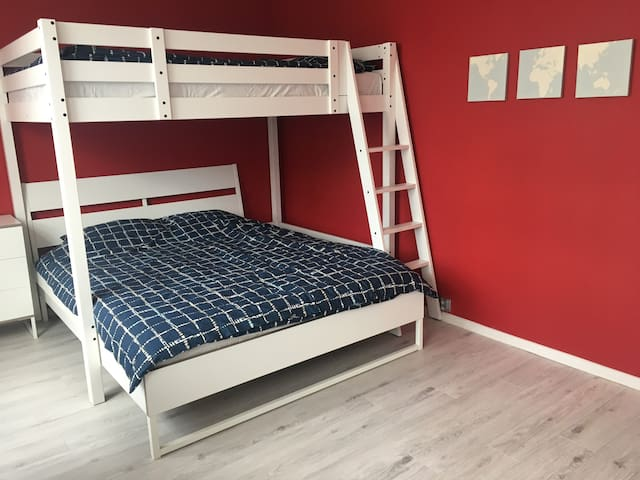 Bedroom: 2 double beds- bottom one: 160x200cm, top one: 140x200cm