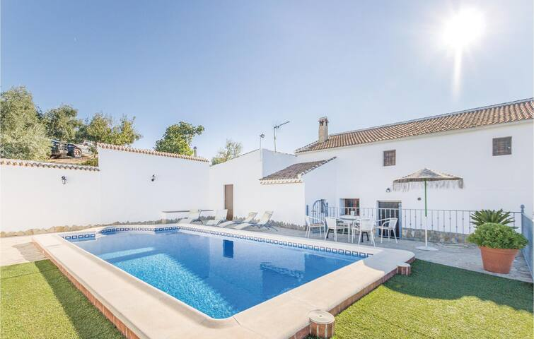 Holiday cottage with 4 bedrooms on 91m² in Iznájar
