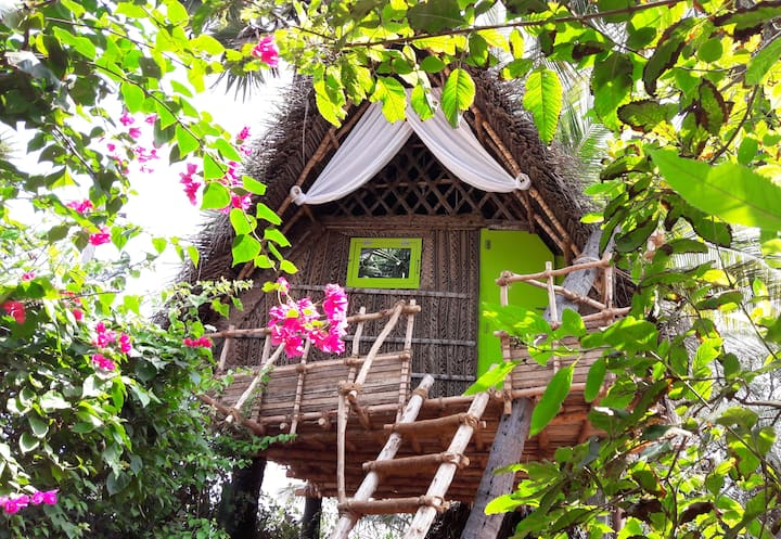 Dharmakanni Tropical Treehouse for 2 to 4 guests