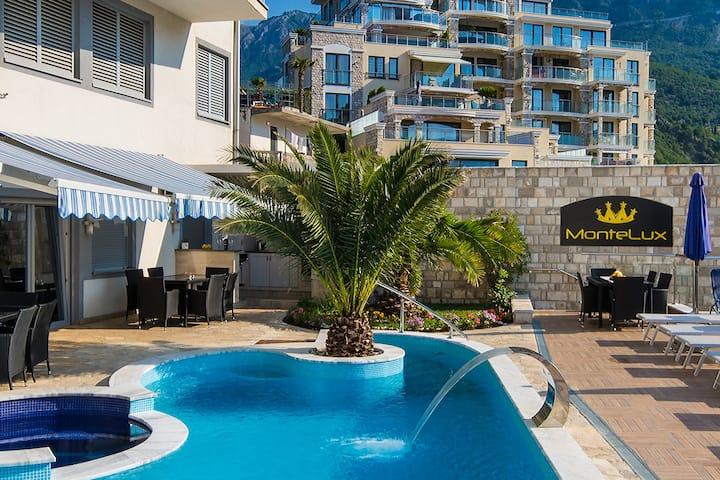 Deluxe Apartment 3 MonteLux