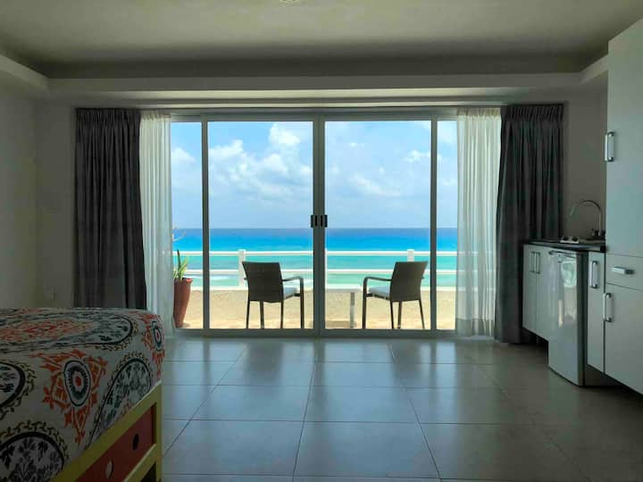 Standard Beachfront Suite