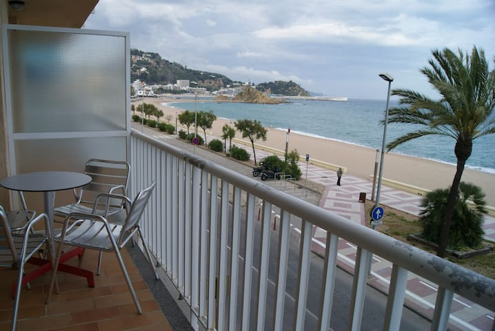 El Sorrall 2-3. 2 bedroom apart.-Sea Views