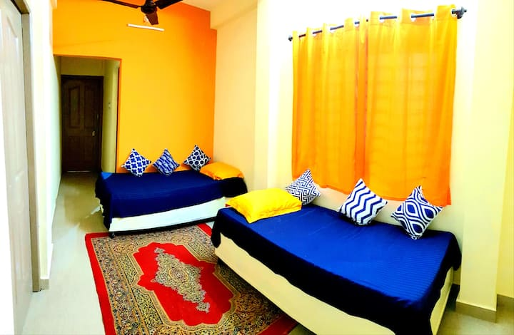 Hi5 Holiday Apartment - 1 BHK
