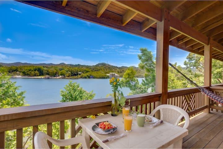 Ocean View studio in West End +breakfast included