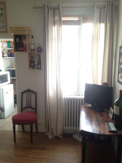 Beau t2 proche place gambetta appartements louer for Appartement t2 bordeaux a louer