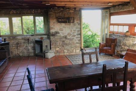 Casa única muy espaciosa en Villa Cerro Azul (Cba)