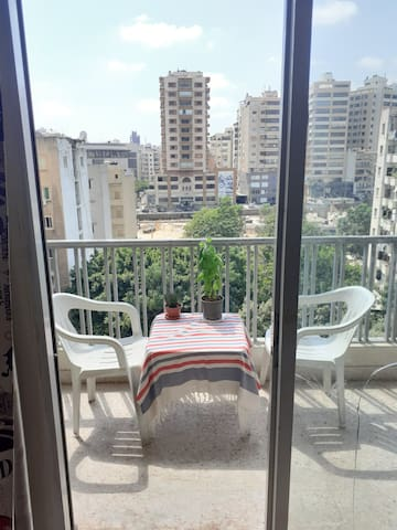 Private room in clean flat, AC, Balcony
