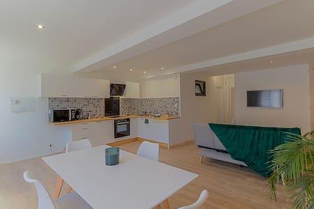 Bel appartement avec terrasse au rdc, 400m thermes