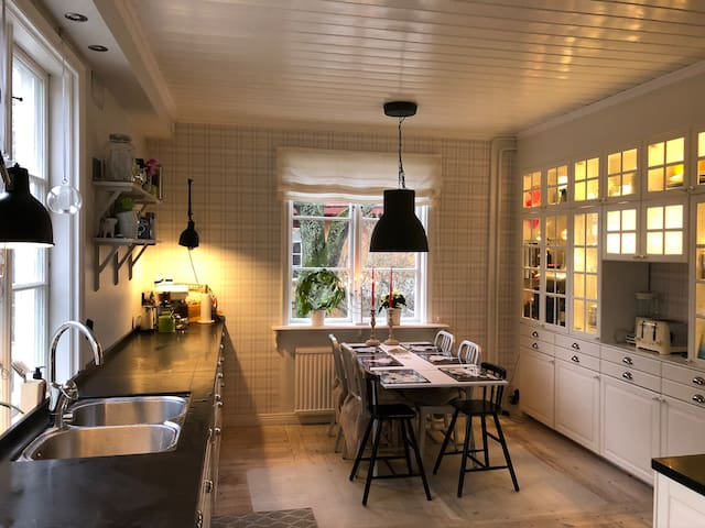Cozy and roomy house close to Stockholm city