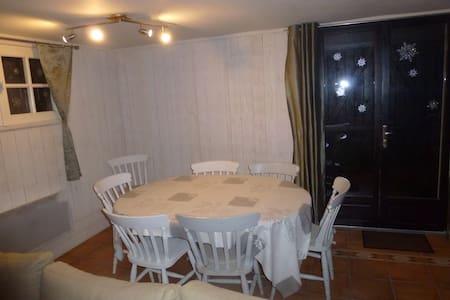 Appartement spacieux en RDC de chalet - Arette