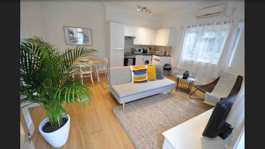 Cosy & Comfy Apartment in Central London, Zone 1