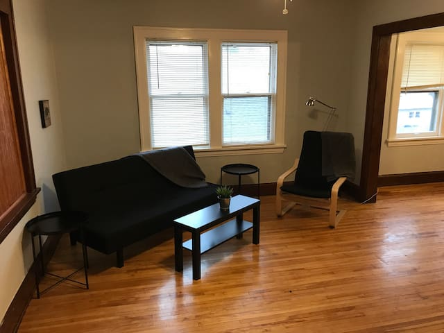 Charming 2nd Floor Apartment + Parking(1 spot)